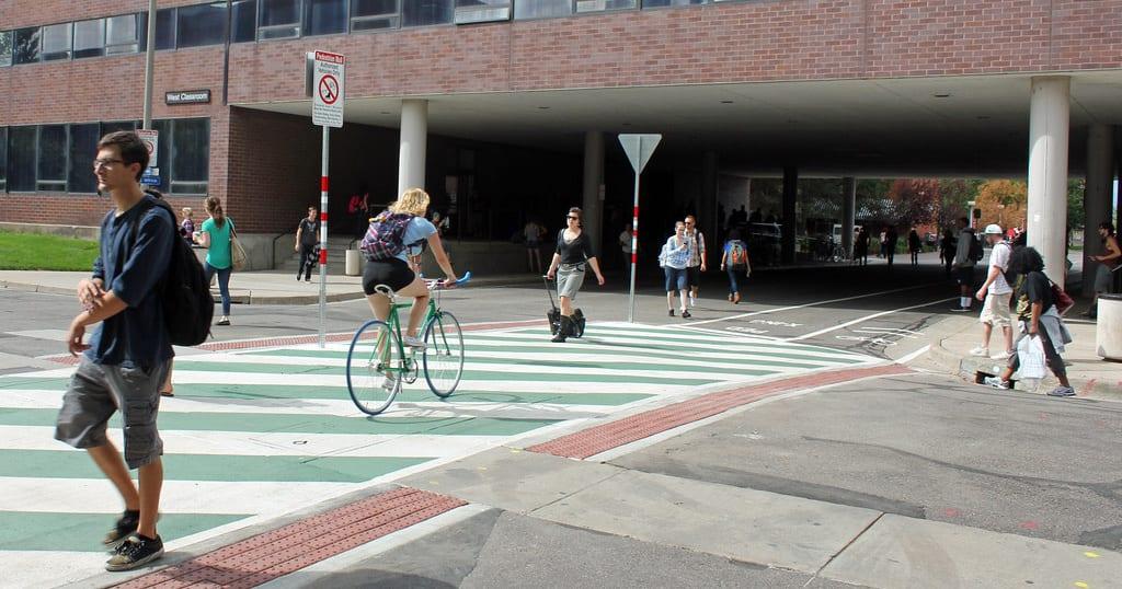 bikelane_pedestrians